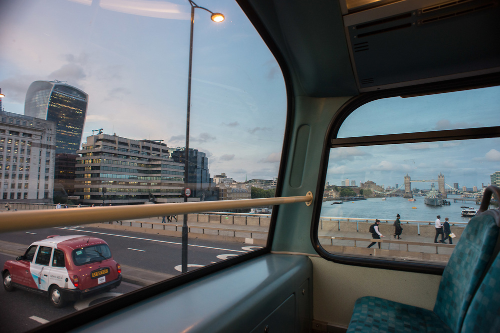 London, 17/08/2017: Thames and London Bridge from the bus. © Andrea Sabbadini