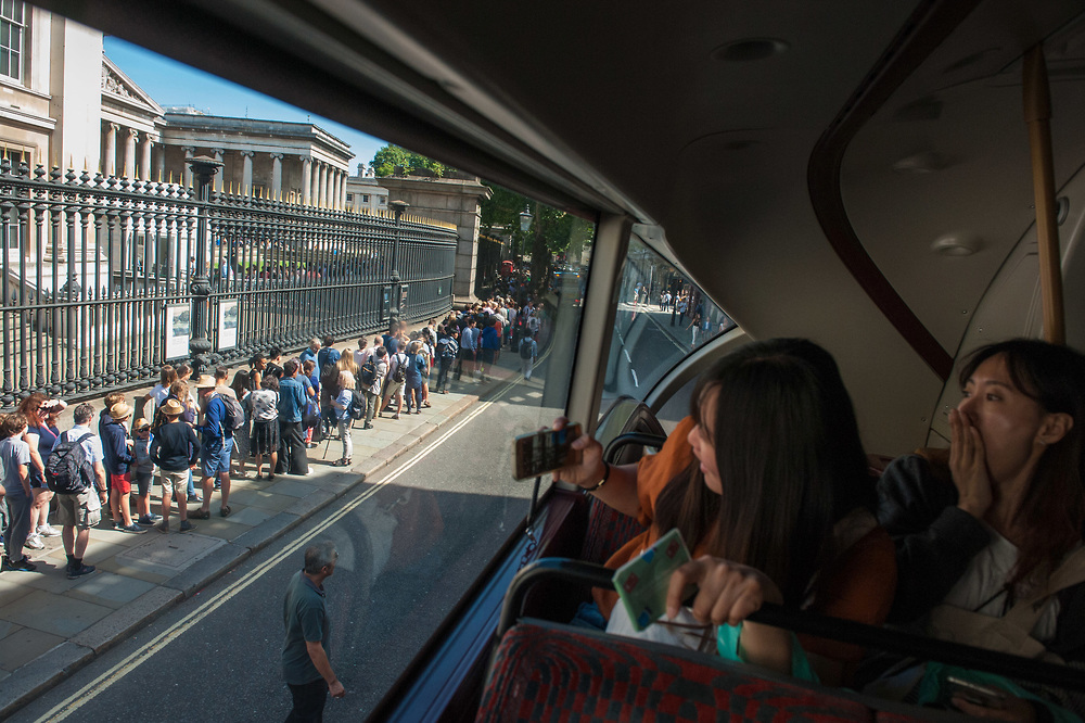 London, 13/08/2017: The British Museum from the bus. © Andrea Sabbadini
