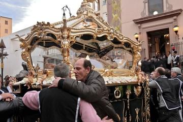 Processione di Pasqua all'Albergheria, nel centro storico di Palermo