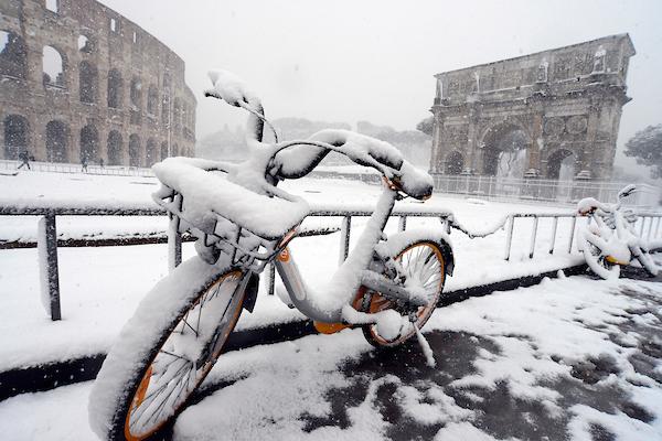 Straordinaria nevicata a Roma