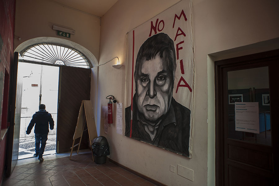 Con la morte di Totò Riina, la Mafia perde uno dei suoi ultimi capi.