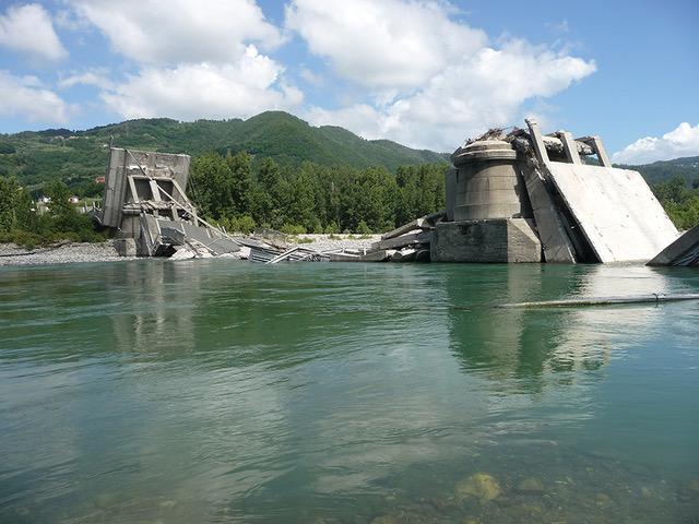 Crollo ponte di Albiano