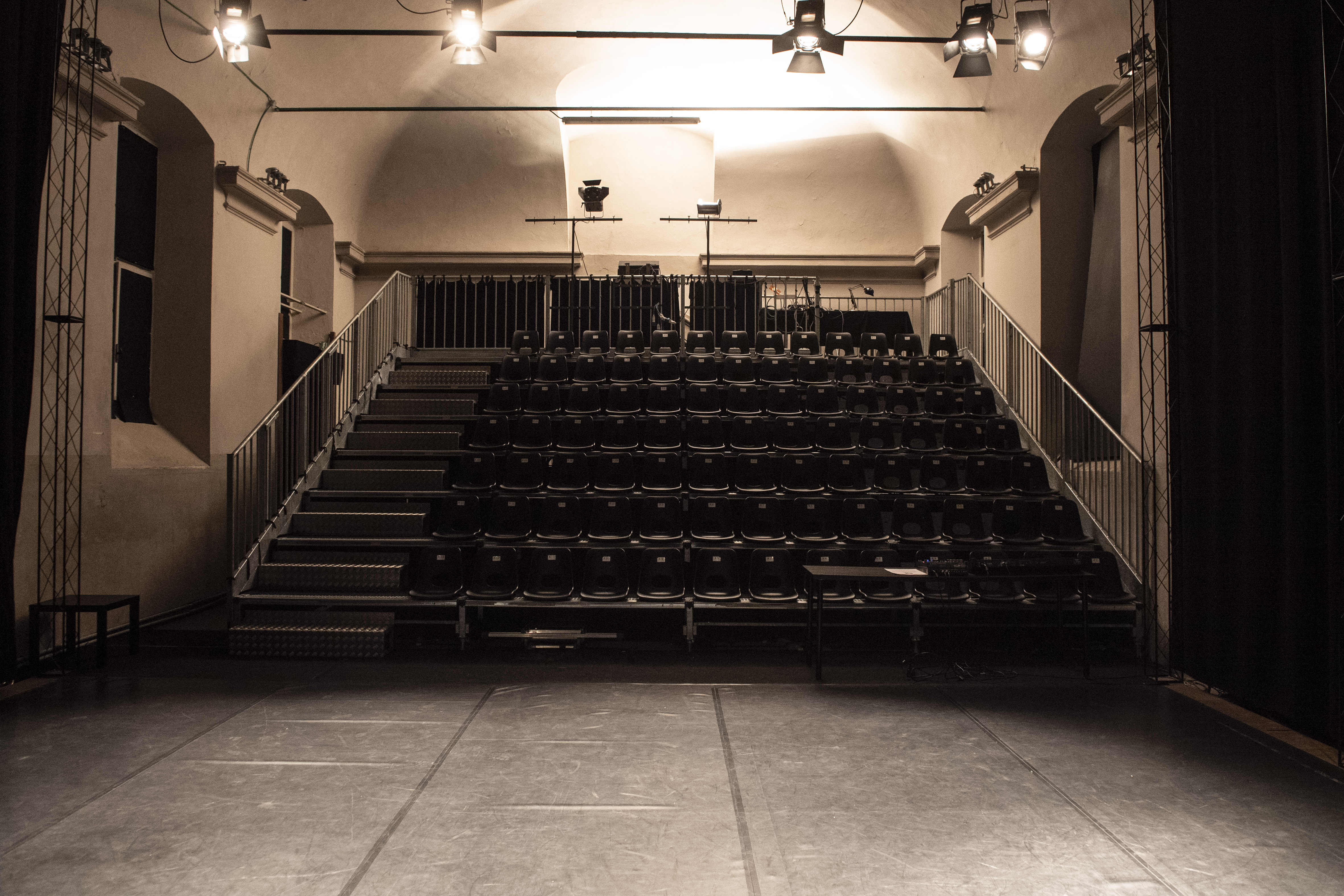 "Emergenza Coronavirus ""Facciamo luce sul teatro"""