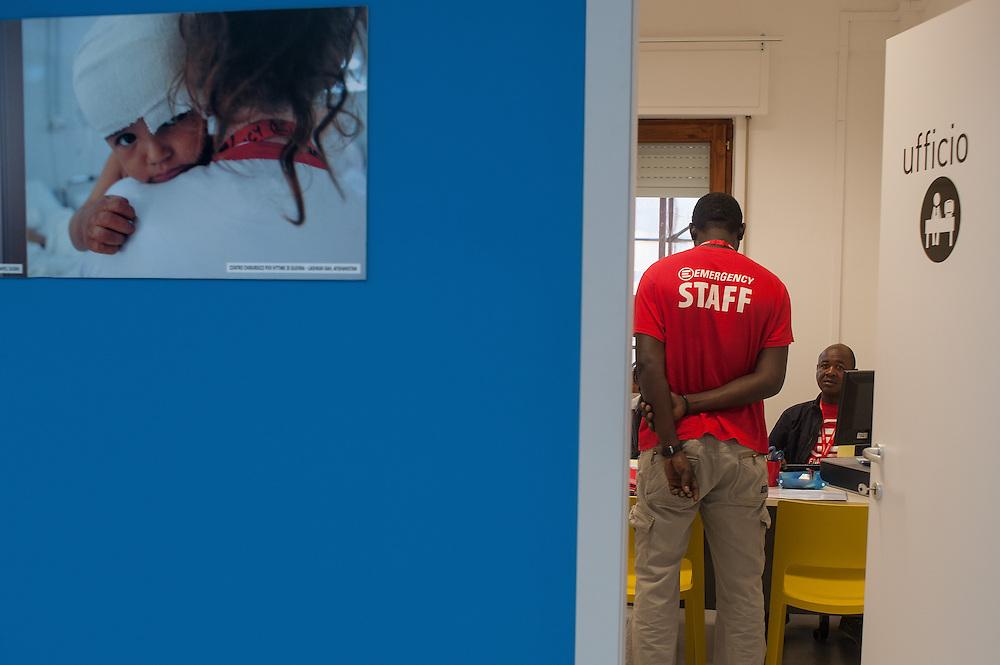 Polistena, 22/10/2013: Poliambulatorio di Emergency, programma Italia.