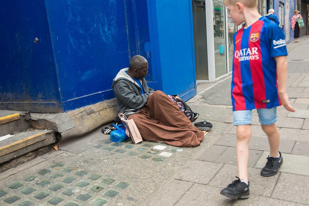 London, 22/08/2017: homeless, Oxford Street. © Andrea Sabbadini