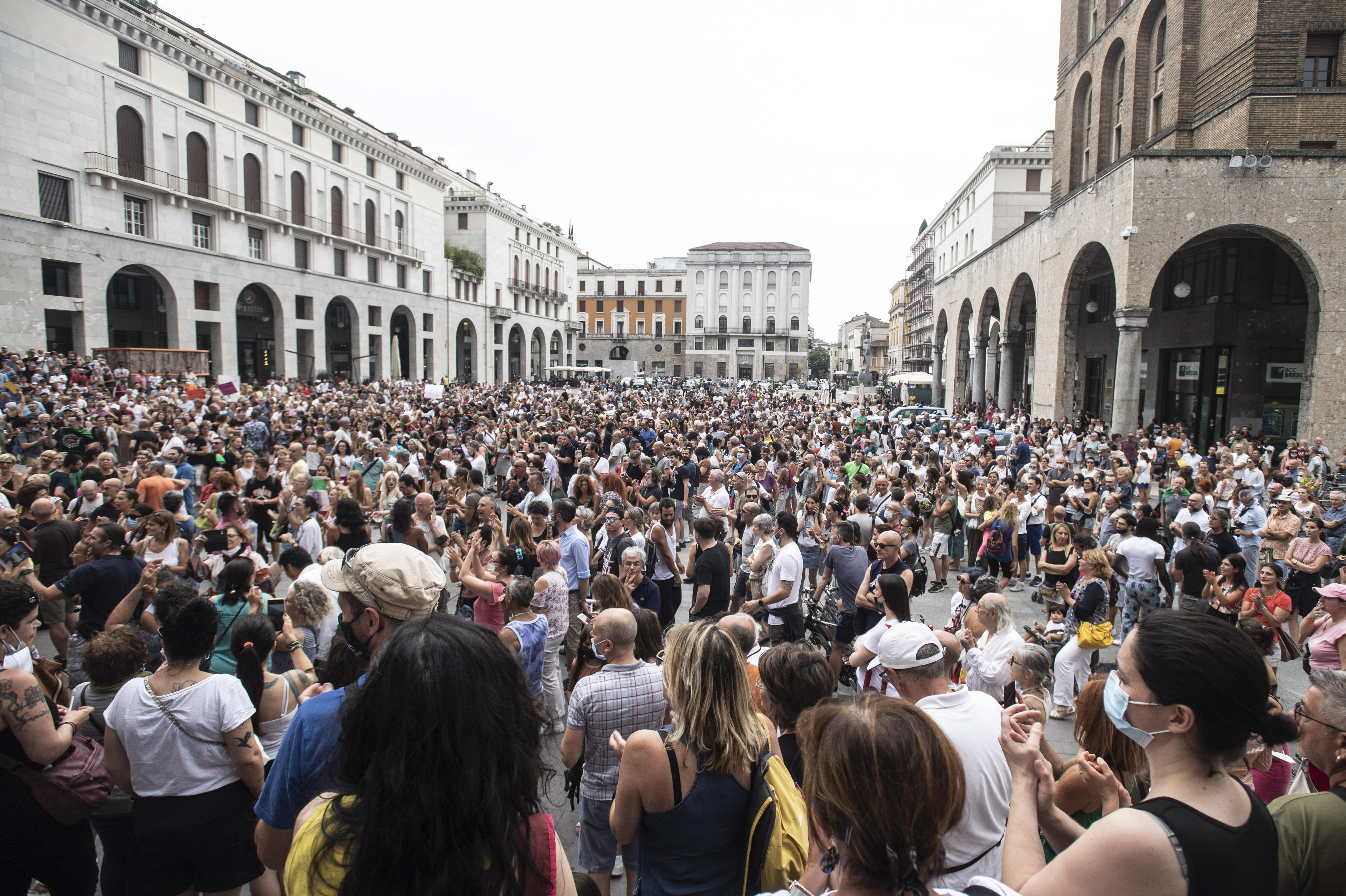 Manifestazione contro l'obbligo del green pass