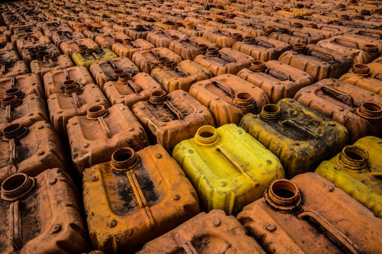 Benzina di contrabbando - oil smuggling