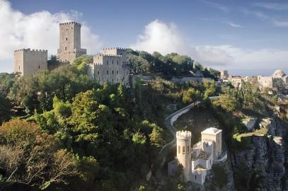 La magia del borgo di Erice e dei suoi castelli